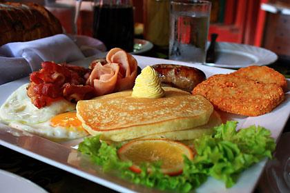 breakfast platter at Bag of Beans, Tagaytay