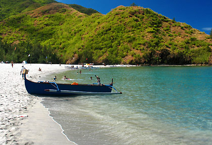 outrigger boat on shore at Anawangin Cove, San Antonio, Zambales